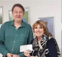 Grâce à vous, Olivia for Ever a pu remettre un chèque de 7000 euros à l'institut Gustave Roussy, pour la recherche médicale sur les tumeurs cérébrales des enfants. Merci infiniment.